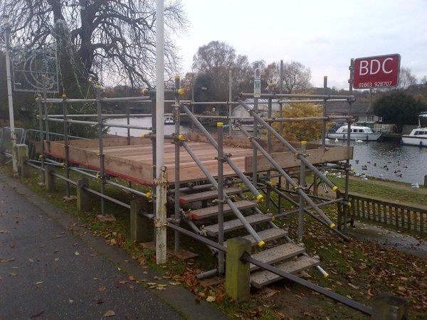 christmas-scaffold