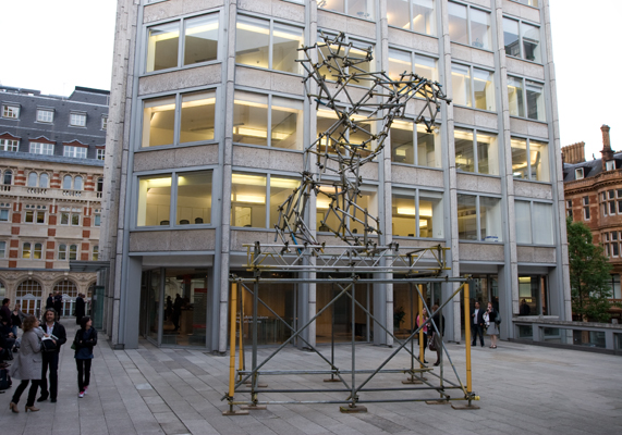 The Amazing World of Scaffolding Sculptures